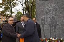 V Masarykových sadech v Českém Těšíně byl v úterý slavnostně odhalen památník prvního československého prezidenta Tomáše Garrigue Masaryka.