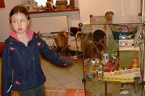 Dětem se výstava líbí.  Mezi exponáty se mohou prohlédnout např. kočárek z dvacátých let 20. století.