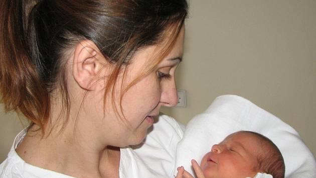 Maminka s Eliškou, první občankou města Havířova roku 2009