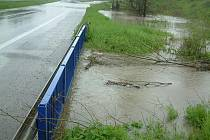 Zaplavená silnice ze Šenova na Havířov