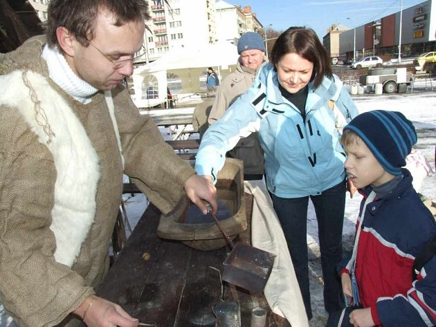 Vánoční městečko na náměstí Republiky.