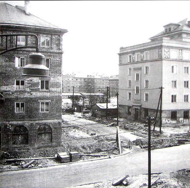 Pohled na dřívějsí podobu Mírové ulice.