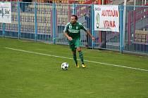 Karvinští fotbalisté (na snímku Vladan Milosavljev) se pokusí zabodovat na hřišti Sparty B.