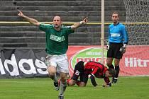 Martin Opic se raduje z vítězného gólu do sítě Opavy.