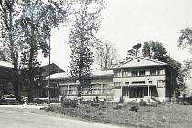 Kulturní dům v Horní Suché na dobové fotografii.