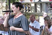 Promenádní koncert v parku za KD Radost s dechovou hudbou Azeťanka