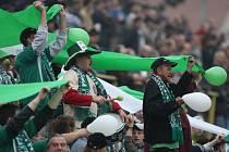 Kluby spoléhají na přízeň slušných diváků a na to, že se téměř vyhnou rizikovým zápasům.