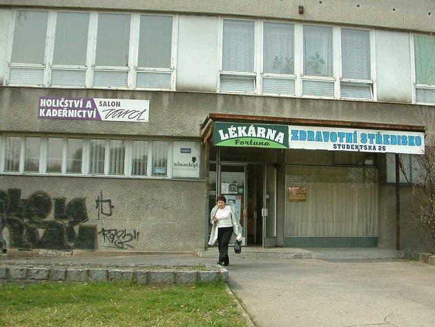 Město má zájem o zdravotní střediska, mezi nimiž je i toto na Studentské ulici.
