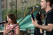 Hlavním tahákem celých oslav bylo vystoupení Ewy Farne.