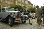 Do Českého Těšína se v sobotu sjeli majitelé automobilových veteránů, kterí veřejnosti ukázaly své skvosty na čtyřech kolech.