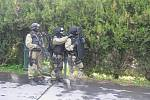 Cvičení krajské zásahové jednotky v albrechtické základní škole
