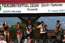 Karvinská kapela Sakumprásk si zahrála v rumunském Banátu.
