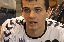 Krzysztof Łyźwa při rozhovoru.