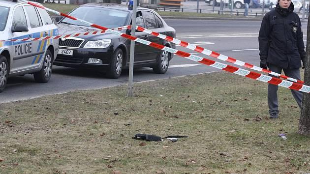 Na Národní třídě se ve čtvrtek střílelo. Policisté střelce zatkli.