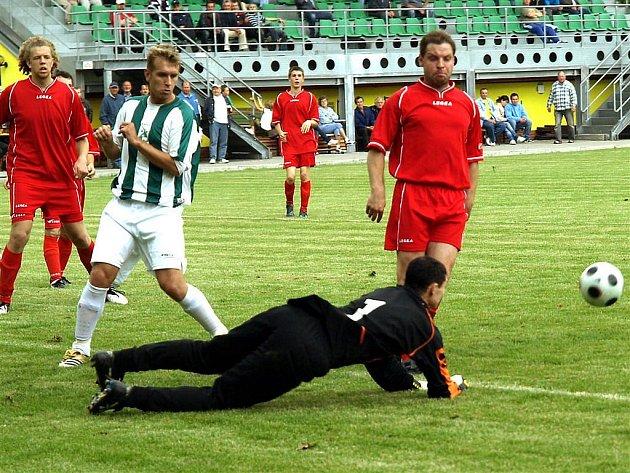 Stonavským fotbalistům se v úvodu soutěže daří. O body v Libhošti je připravil sporný (ne)výrok rozhodčího.