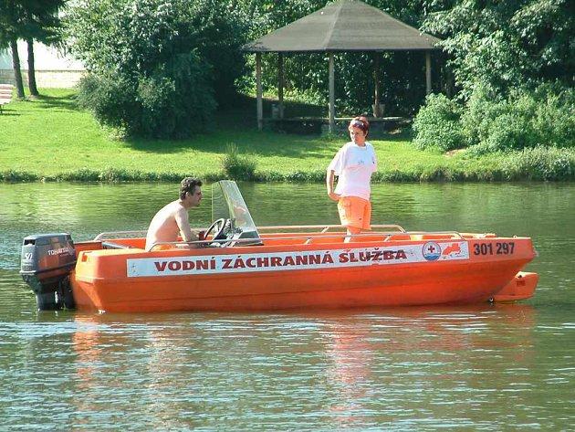 Vodní záchranáři drží nepřetržitou službu na Těrlické přehradě