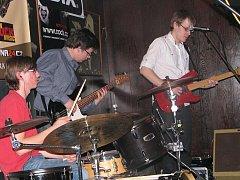 Ilustrační snímek ze soutěže amatérských kapel Líheň. Kapela eSeNCe
