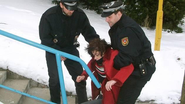 S opilci se strážníci potýkají každý den.