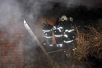 Požár hospodářského stavení na Formanské ulici v Havířově.