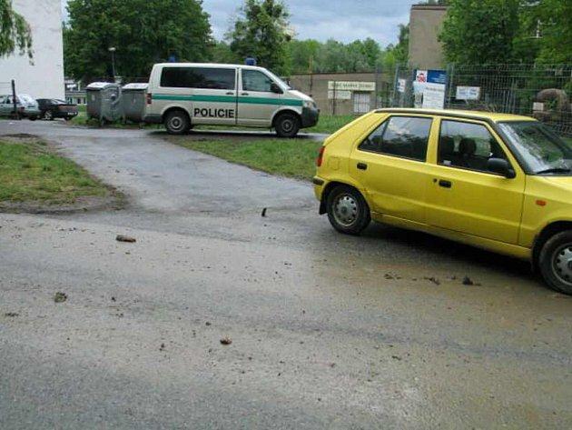 Za nehodou, při které byla zraněna starší chodkyně, stále nepozornost řidiče osobního automobilu.