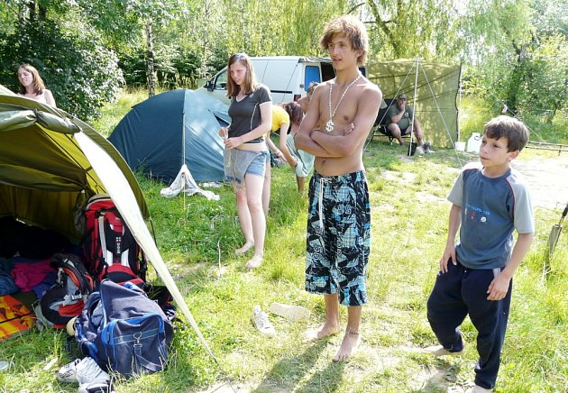 Děti u Těrlické přehrady