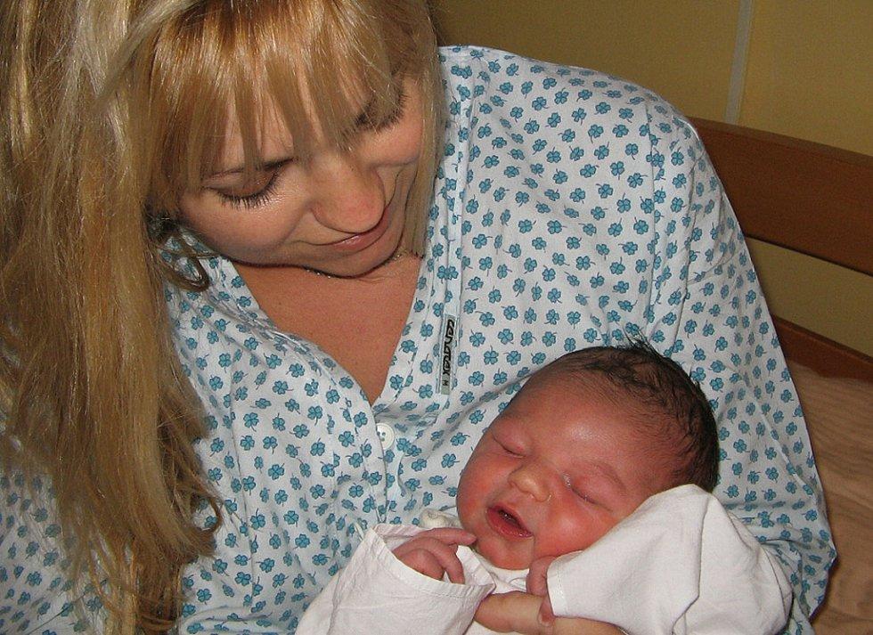 Adrian Płatek se narodil 15. listopadu paní Andree Płatkové z Českého Těšína. Po narození chlapeček vážil 4260 g a měřil 54 cm.