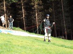 Paraglidisti na Prašivé