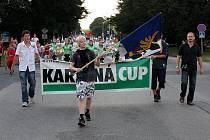 V Karviné probíhá házenkářský svátek. Do města se sjely mládežnické týmy z různých koutů Evropy. Jejich členové si tady najdou vedle sportování čas i na zábavu.