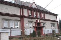 Jednou z důležitých budov v Hradišti je místní škola.