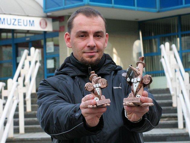 Marek Spáčil z bohumínské TV Marko s cenami za úspěchy na festivalu regionálních televizí Kafka