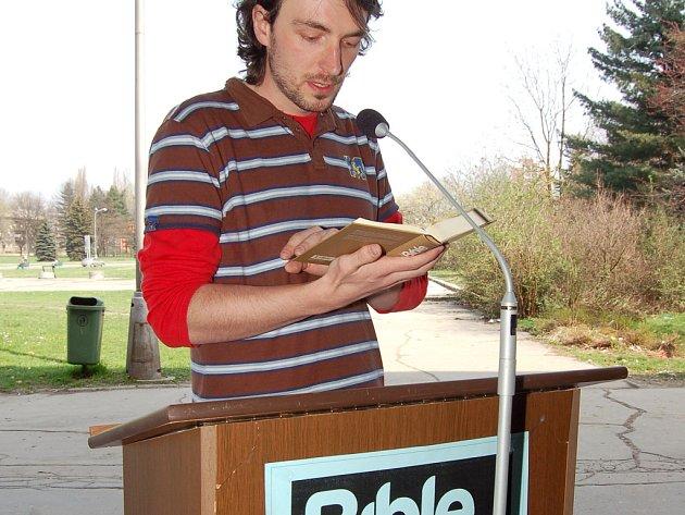 Veřejné čtení z Bible