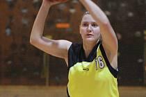 Jana Salavová a její spoluhráčky srdnatě bojují ve finále II. ligy proti Karlínu.