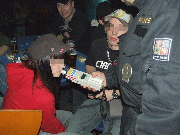 Požití alkoholu prokázala dechová zkouška.