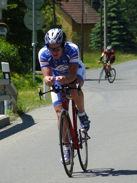 Cyklista Martin Stančík z CK Frenštát p. R. 1 vyhrál kategorii mužů 18 až 29 let, ale na absolutní prvenství v Mlynářské časovce to nestačilo.