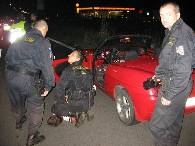 Zadržený řidič, který se chtěl vyhnout kontrole