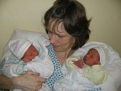 Paní Ellen Polaino z Českého Těšína se 3. listopadu narodila dvojčátka Mathias a Eric. Když přišel Mathias na svět, vážil 2600 g a měřil 48 cm. Jeho bráška Eric po narození vážil 2440 g a měřil 47 cm.