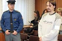 Obžalovaný Zdeněk Hanáček v soudní síni Krajského soudu v Ostravě.