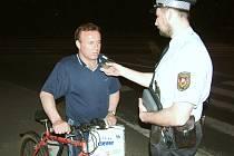 Strážníci zatím používají přístroje vhodné pro orientační dechovou zkoušku.