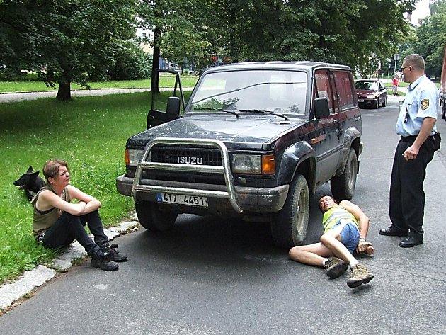 Situace při kontrole opilého řidiče se jeho vinou značně vyhrotila
