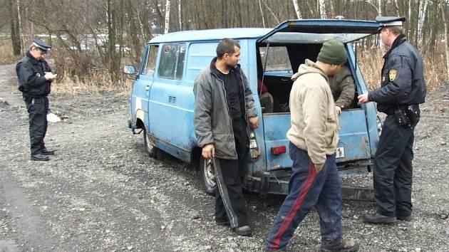 Strážníci nevěřili vlastním očím, jakým autem sběrači železa jezdí.