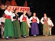 Snímek z akce, na které se v Českém Těšíně představily folklorní soubory z Těšínska ve svých tradičních krojích