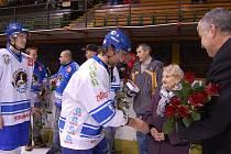 Edith Matějíčková fandí orlovským hokejistům od roku 1974