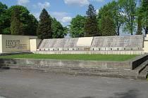 Památník v Orlové připomínající české oběti československo-polského sporu o Těšínsko