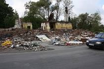 Ruiny darkovské restaurace Sznapka by měly zmizet do konce května.