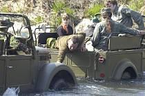 Majitelé vojenských veteránů z KTV 4×4 Havířov si vyjeli na první letošní vyjížďku