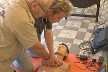 Výcvik plavčíků v poskytování první pomoci tonoucímu