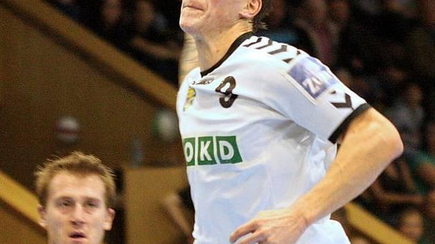 Marek Vančo se vypracovává v jednu z velkých opor Baníku.