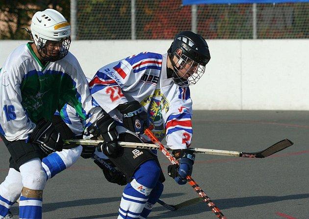 Hokejbaloví dorostenci Karviné se drží v extralize na osmé příčce.