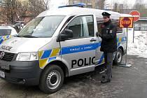 Nová policejní vozidla. Mobilní služebna