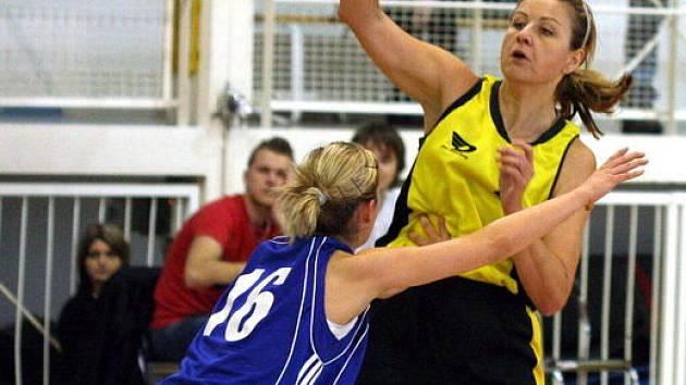 Dostává se Bohumila Kubíčková (ve žlutém) do své obvyklé formy?